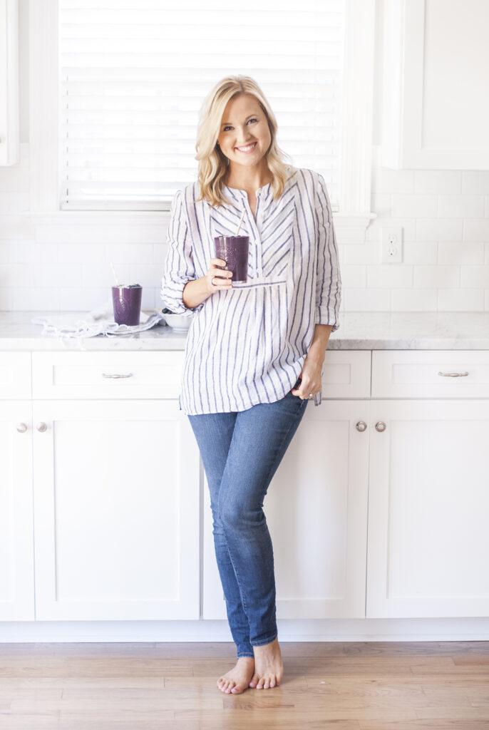branding photographer Poppie Studios Stitch Fix Home Sweet Hunter Smoothie